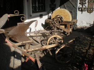 Viele original erhaltene Arbeitsgeräte sind Zeitzeugen einer vergangenen Arbeitswelt mit viel Körpereinsatz!